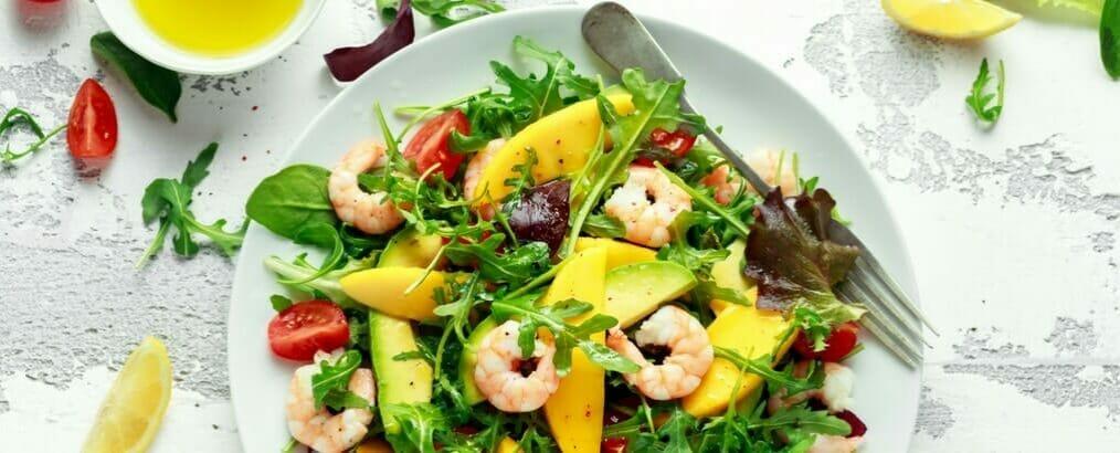 Salade-garnalen-avocado-mango-min-1014x410